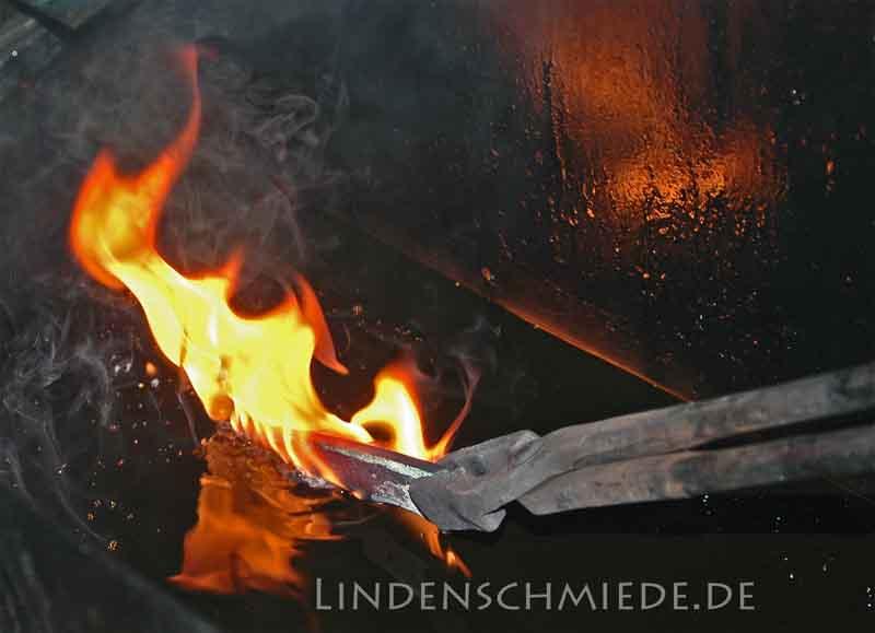 Messerklinge härten Lindenschmiede